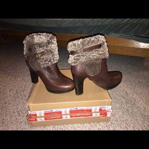⚡️Offers welcome ⚡️Ugg high heel bootie